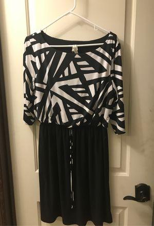 Black and white dress. Super cute for Sale in Woodinville, WA
