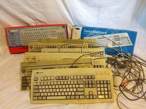 9 Computer Keyboard for Sale in Los Angeles, CA