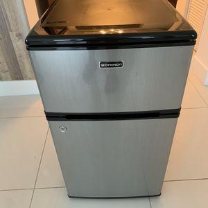 Executive Refrigerator for Sale in Miami, FL