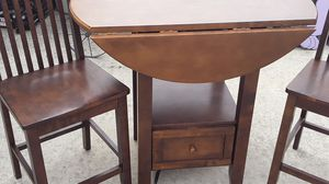 Solid wood table, 2 chairs Nook table for Sale in Taylor, MI