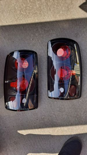 Free Delivery New Chevy Tahoe Suburban Gmc Yukon Taillights 00 to 2006 for Sale in Fresno, CA