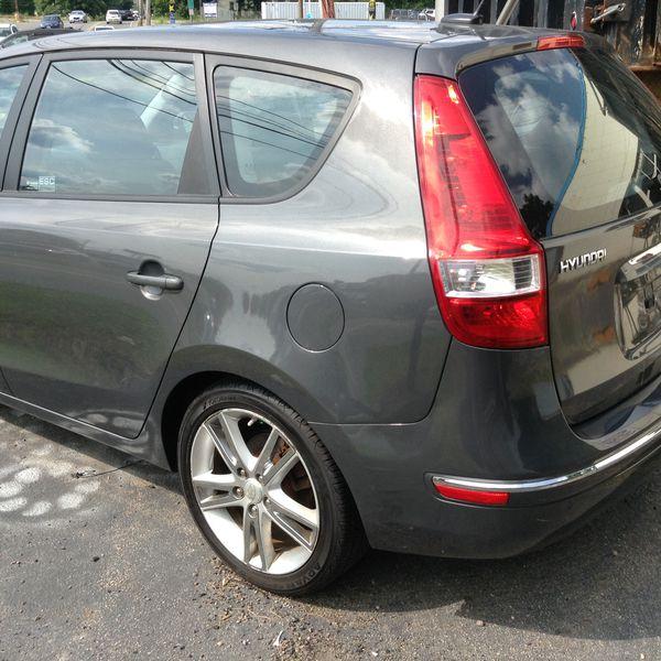 2009 Hyundai Elantra Touring low miles