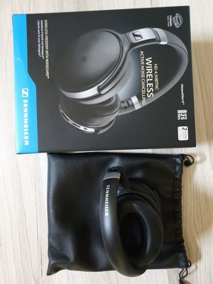 Bluetooth headphones Sennheiser 4.50BTNC Seldomly used! Excellent Condition in box! for Sale in Titusville, FL