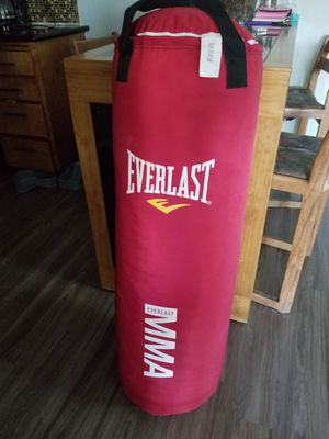 Everlast, punching bag .. 50 for Sale in Auburn, WA