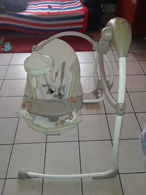 Baby swing for Sale in Detroit, MI