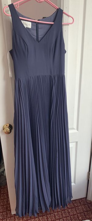 Gorgeous barely used bridesmaid dress for Sale in Framingham, MA