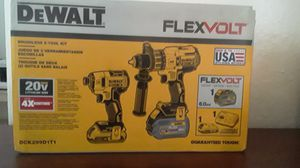 DEWALT BRUSHLESS 2 TOOL KIT FLEXVOLT WITH 2 BATTERIES, CHARGER AND BAG for Sale in Miami, FL