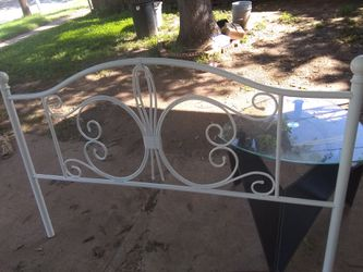 White iron headboard footboard and queen size mattress and box spring entire set for Sale in Abilene,  TX