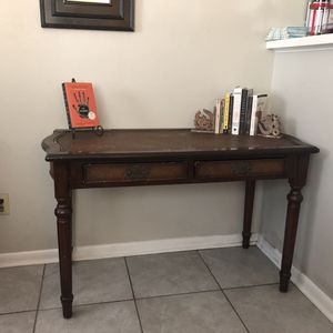 Antique Wicker Desk with Chair for Sale in Orlando, FL