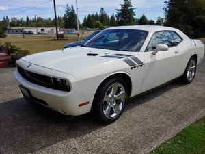 2009 Dodge Challenger RT, leather interior, Hemi, 6 speed manual, 23,800 miles, moon roof, fully loaded. Excellent Condition, always garaged for Sale in Aberdeen, WA