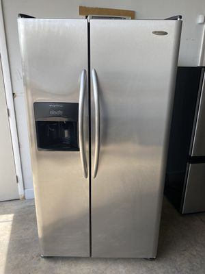 """Refrigerator fridge nevera refrigerador 36"""" Frigidaire stainless steel good condition delivery available warranty 100 days for Sale in Miami, FL"""