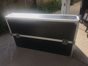 """Road case for tv 55"""" no wheels for Sale in Chicago, IL"""