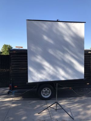 Projector screen 6' for Sale in Chandler, AZ