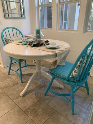 Kitchen pedestal table & 2 chairs for Sale in Aliso Viejo, CA