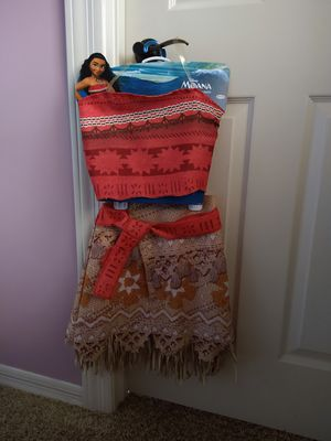 Girls Moana costume size 4-6X (4-6 years old) for Sale in Litchfield Park, AZ