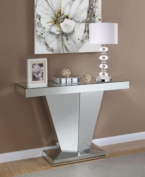 Mirrored console table for Sale in Hialeah, FL