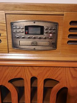 Crosley Stereo And Cabinet for Sale in Roebuck,  SC