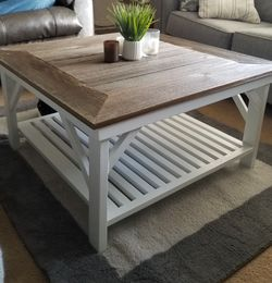Beautiful handcrafted Custom Made Farmhouse coffee Table for Sale in Salem,  OR