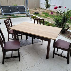 Beautiful Kids Table With 4 Chairs. for Sale in Riverside, CA