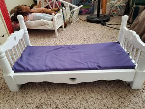 Melissa and Doug 18 inch doll bed wooden (American Girl Size) for Sale in Stockton, CA