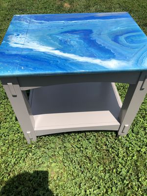 Unique end table for Sale in St. Louis, MO