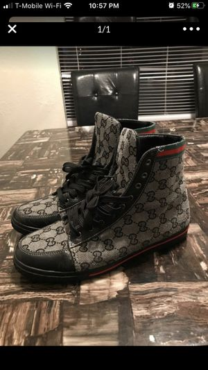 Guccis Sice 10.5, 11s for Sale in Lakewood, WA