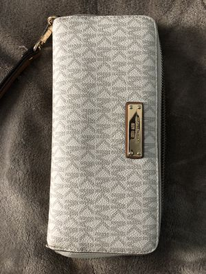 Michael Kors Wallet for Sale in Frederick, MD