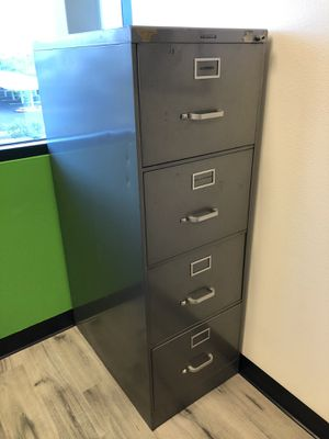 Metal file cabinet Free for Sale in Las Vegas, NV