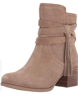 Koolaburra by UGG Women's Kenz Fashion Boot Size 7 for Sale in Hanover Park, IL