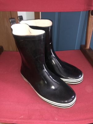 Women's Rain Boots Size 9.5 for Sale in Hilliard, OH
