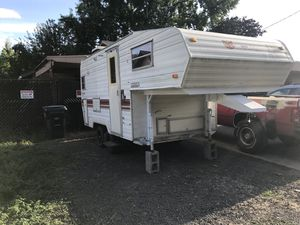 1985 16ft Prowler 5th wheel trailer for Sale in Beaverton, OR