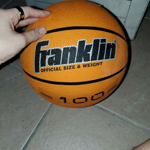 BASKETBALL for Sale in Lake Worth, FL