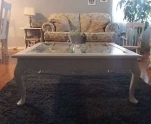 Coffee table for Sale in Oakdale, CA