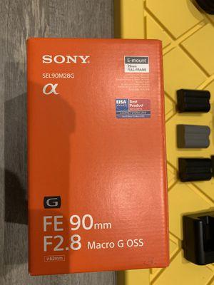 """Sony FE 90mm f/2.8 Macro G OSS Lens """"MINT"""" for Sale in La Habra, CA"""