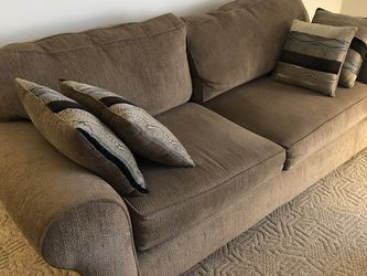 Couch And Love Seat for Sale in Tampa,  FL