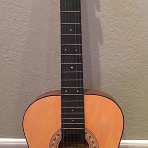 Guitar Preowned Exellent Condition for Sale in Santa Ana, CA