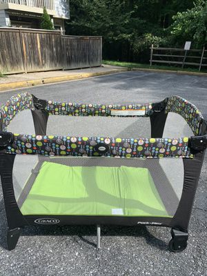 Graco Pack and Play with Newborn Bassinet for Sale in Burtonsville, MD