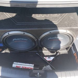 Pioneer Champion Pro series with Pro box for Sale in Arlington, TX