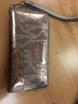 Michael Kors rose gold wallet for Sale in Takoma Park, MD