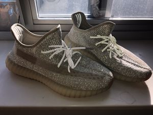 Yeezy Lundmark Reflective USED Size 10.5 for Sale in Buffalo, NY