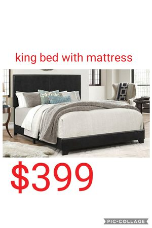 King bed with mattress for Sale in Las Vegas, NV