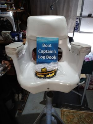 YATCH CATAINS PILOT CHAIR for Sale in Oakland Park, FL