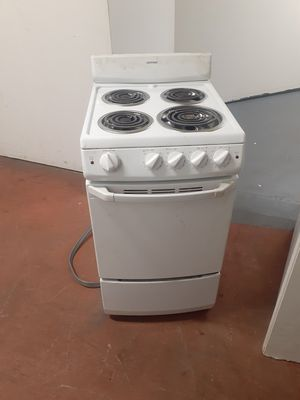 """21"""" electric stove for Sale in Providence, RI"""