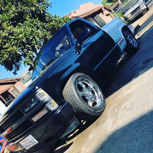 Chevy Silverado 93 for Sale in Hazard, CA