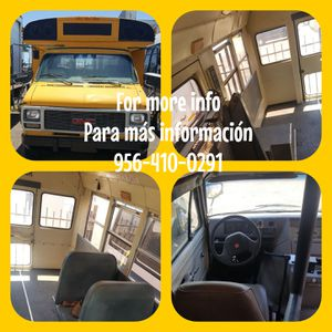 Mini bus perfect for converting to a camper, animal rescue clinic on wheels, or a wheelchair medal transport. for Sale in Mission, TX