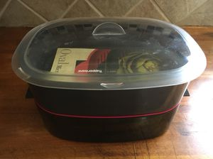6 piece Tupperware Microwave Oval Cooker for Sale in Houston, TX