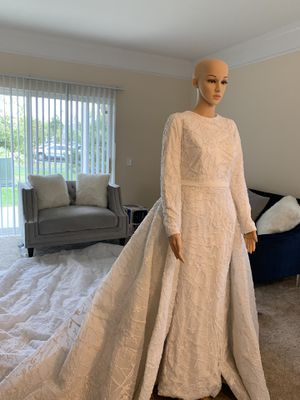 wedding dress for Sale in Dublin, OH