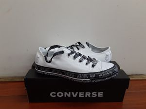 Converse women's size 9.5 for Sale in Montclair, CA