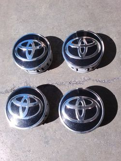 Toyota OEM Center Caps 52 mm Corolla, Prius for Sale in Hacienda Heights,  CA