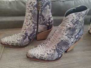 Jo Ghost Vero Cuoio Python Ankle Boots Size 5.5 Euro 37 for Sale in New Port Richey, FL